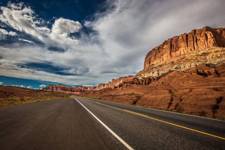 road-1958388_1920